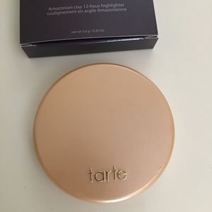 Tarte Amazonian Clay 12 hour highlighter exposed